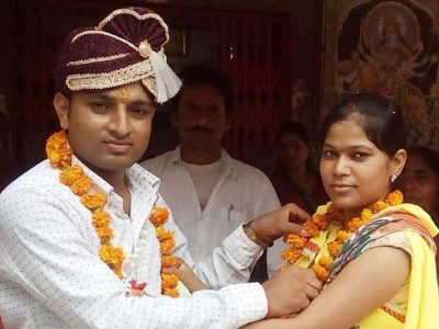 The girl kidnapped the boy on gunpoint and got married in India