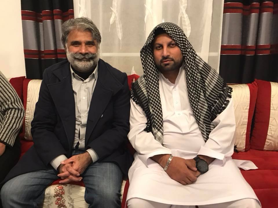 Umair Baig, with Qari Farooq Ahmed Farooqi, AFTER,, perform, Umrah