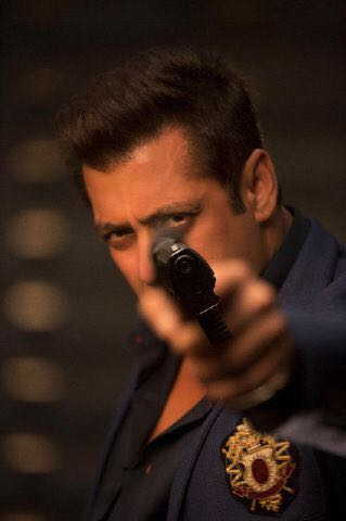 How does Salman Khan shows in 'Race 3'?
