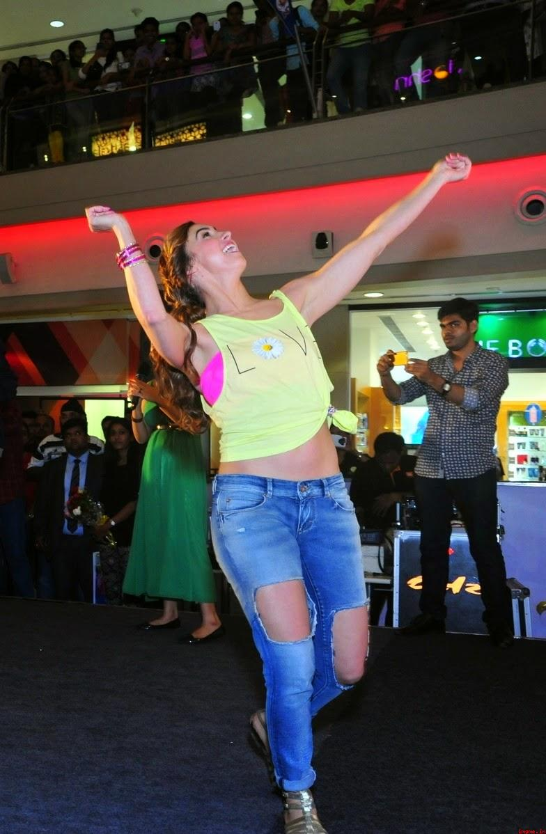 Lauren, Gottlieb ,Looks, Super, beautiful, In, Ripped Jeans, and ,Yellow, Top