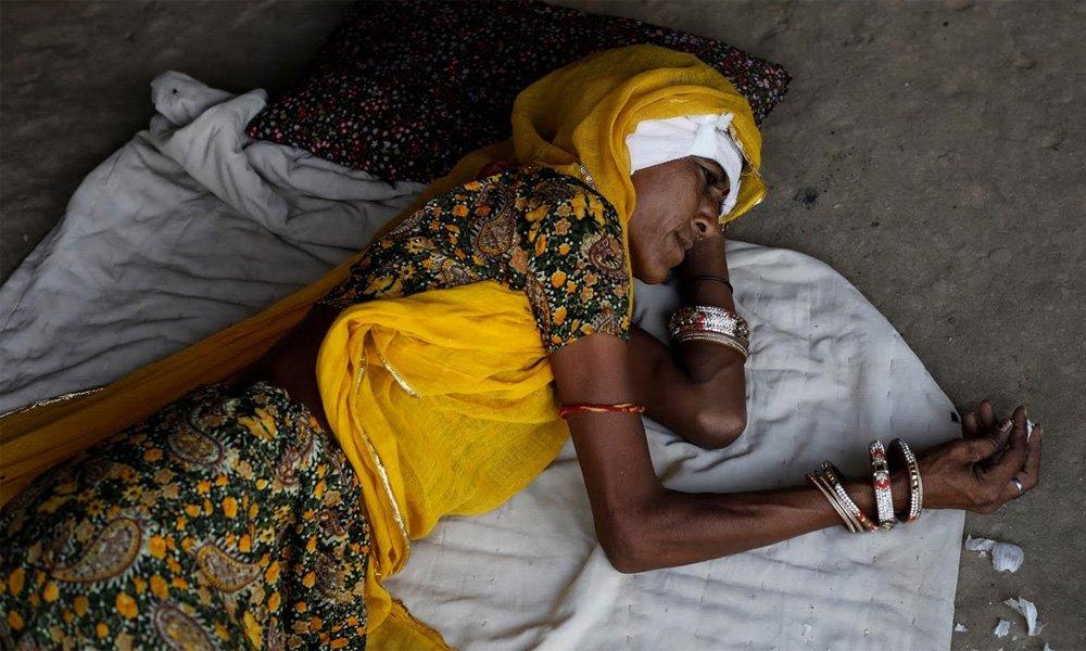 Revolution in India, train set-up hospital