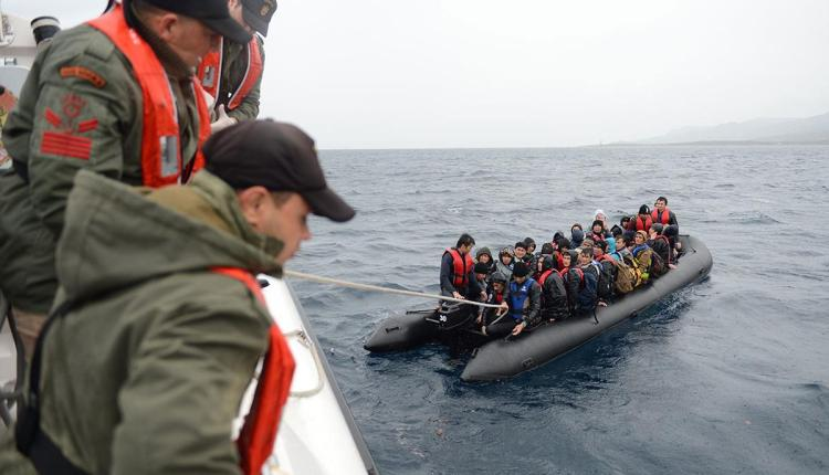 Immigration boat crashes in Turkey, 9 people killed