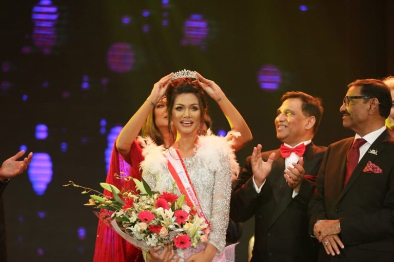 third, year, student, elected,as, miss universe, sushmeta sen, given, her, crown