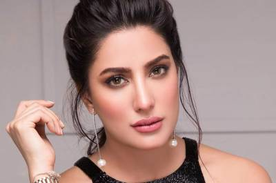 WHEN, ITS, RAINING, IT, COMES, WATER, EVERYWHERE, WHEN, ITS, HEAVY, RAINS, IT, BRINGS, HEAVY, AMOUNT, OF, WATER, AHSAN KHAN, AND, MEHWISH HAYAT, COMMENT, ABOUT, BILAWAL'S, FAMOUS, SPEACH
